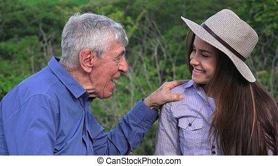 conversation, petite-fille, heureux, art conter, grand-père
