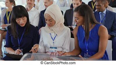 conversation, séminaire, femmes affaires, audience