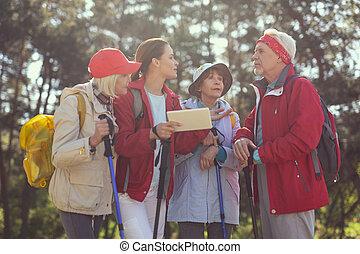 conversation, vieilli, guide, homme, alerte