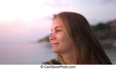 coucher soleil, paisible, time., bord mer, beau, lent, apprécier, femme, romantique, mouvement