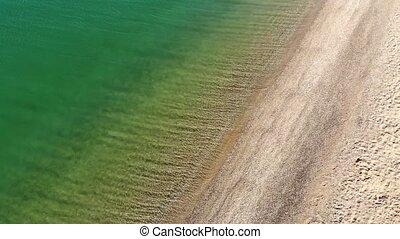 coup, plage., mer, bleu, sablonneux, beau, vagues, aérien, sommet, drone., briser, plage, vue océan