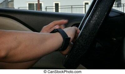 coup, voiture, montre, haut, mains, fin, utilisation, intelligent, homme