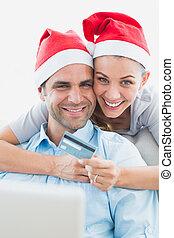 couple, achats, santa, chapeaux, ligne, heureux