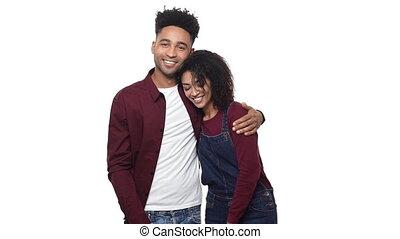 couple, africaine, isolé, arrière-plan., américain, autre, chaque, portrait, blanc, sur, huging
