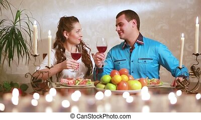 couple, avoir, jeune adulte, dîner