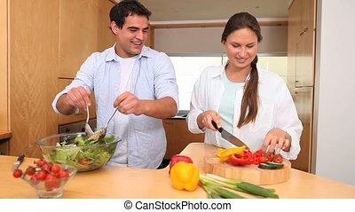 couple, cuisine, salade verte