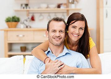 couple, heureux, jeune, satisfait