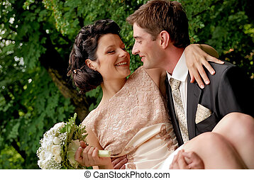 couple, heureux, outdoors., mariage, sourire