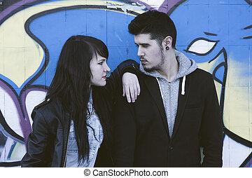 couple, jeune, culbuteurs