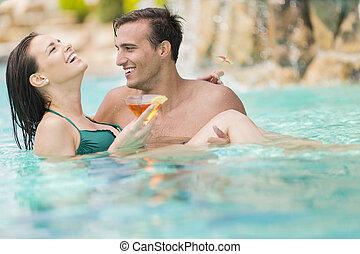 couple, jeune, piscine
