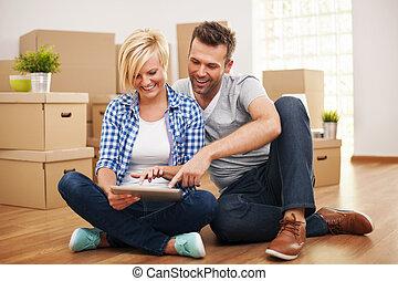 couple, leur, achat, nouveau, meubles, sourire, maison