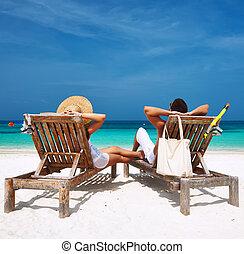 couple, maldives, plage, blanc, relâcher