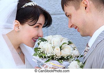couple, mariés, regarder, autre, chaque, récemment