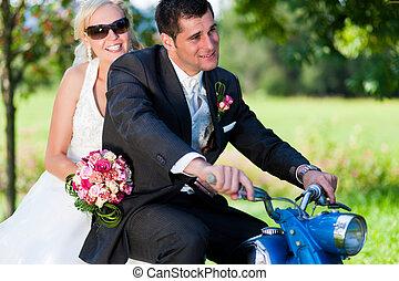 couple, moto, mariage