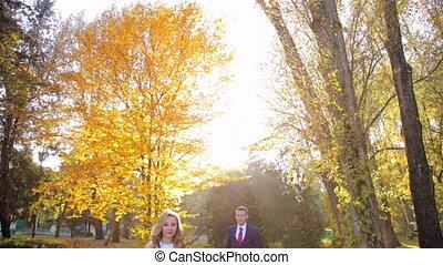 couple, parc, baisers, extérieur, automne