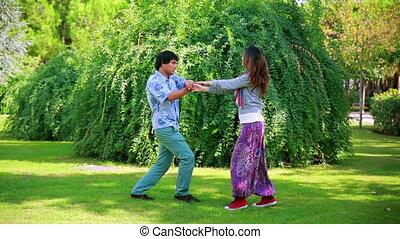 couple, parc, jeune, danse