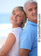 couple, plage., mûrir