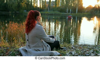 couple, reposer, ville parc, automne