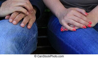 couple, tenue, hands.