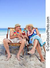 couples mûrs, chaise, pont, séance