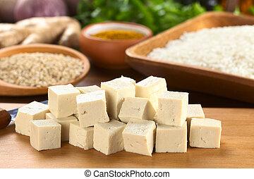 coupure, ingrédients, bois, (selective, tofu, dos, foyer, cru, foyer, autre, tofu), dés, devant, riz, planche
