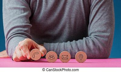 coupure, rang, icônes, quatre, cercles, communication, bois, placer, contact, homme, les