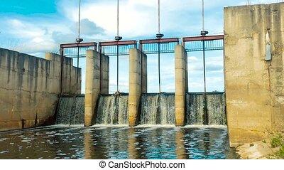 courant, vue, rivière, floodgates., dense, rivière, bruyant, petit