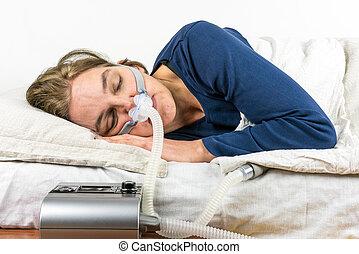 cpap, elle, premier plan., dormir, côté, machine, femme