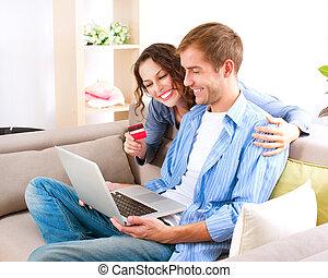 crédit, magasin, couple, carte, internet, shopping., utilisation, ligne