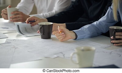 crayon, femme, groupe, gens, notes, bureau, conférer, table, séance, marques, paper.