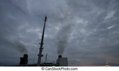 croisière bateau, piles, fumée, pollution