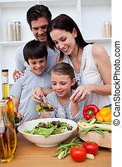 cuisine, ensemble, famille, heureux