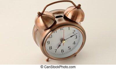 cuivre, vieux, horloge, reveil, façonné, tourne, rond