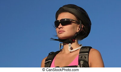 cycliste, montagne, cyclisme femme, jeune, figure, eau, vélo, pendant, boire
