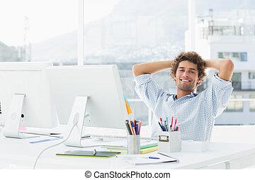 décontracté, affaires occasionnelles, homme, bureau, clair, informatique
