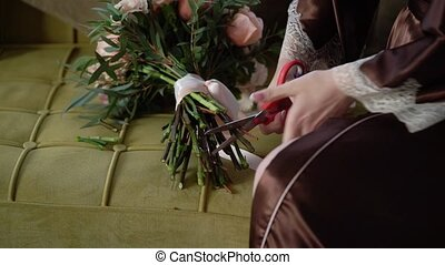 découpage, taille, roses, femme, scissors., fleurs, rouges, jeune
