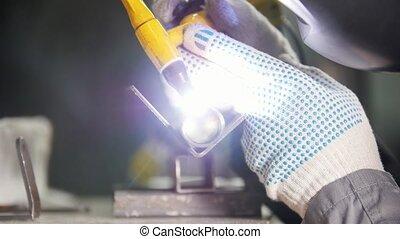 détaillé, industriel, travail, ouvrier, welding., gants, factory.