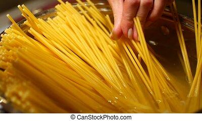dîner, cuisine, spaghetti, famille