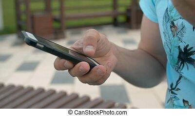 dactylographie, main, homme, intelligent, téléphone
