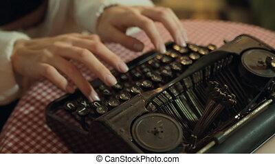 dactylographie, typewriter., business, songeur, secrétaire, concepts., vieux, retro., mains
