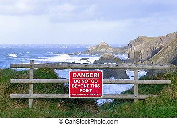 dangereux, clifftop