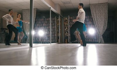 danse femme, danse, costumes, jeune, américain, latin, studio, séduisant, homme