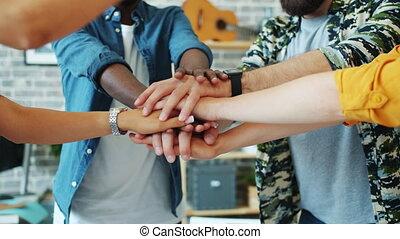 danse, membres, bureau, hommes, alors, mettre, équipe, ensemble, femmes, mains