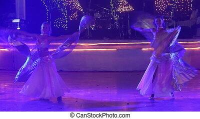 danseuses, costumes, théâtral, ailes, jeune, deux