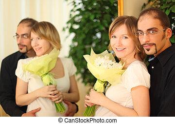 debout, beauté, bouquet, lunettes, blonds, miroir, girl, fleurs, homme souriant