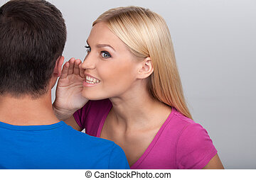 debout, gris, femme, sait, commérages, hommes, jeune, isolé, quoique, secret., elle, dire, séduisant