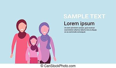 debout, plat, femme, espace, trois, ensemble, arabe, caractères, hijab, portrait, arabe, copie, horizontal, générations, femmes
