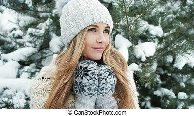 debout, sapin, femme, arbre hiver, blond, paysage