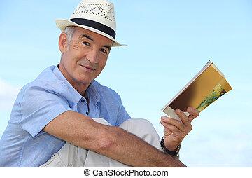 dehors, livre, homme insouciant, lecture