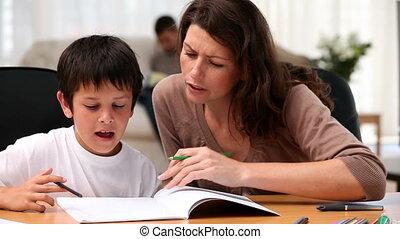 devoirs, fils, mère